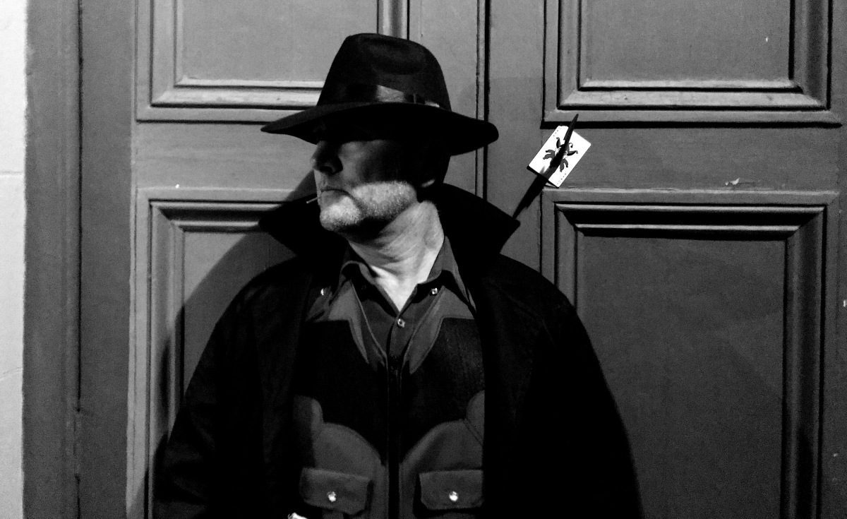 Detective Bruce Wayne with Caped CrusaderCosplay
